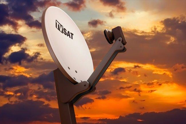 Co lepsze – telewizja satelitarna czy telewizja kablowa?